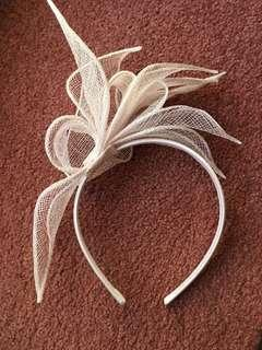 White Fascinator Headband Headpiece Spring Carnival Races