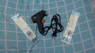 Glue Gun with sticks