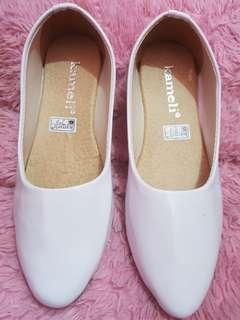 sepatu flat
