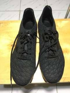 Sepatu bola adidas ukuran 45