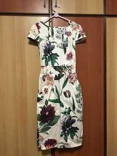 🚚 English Floral Dress from Closet for Tangs