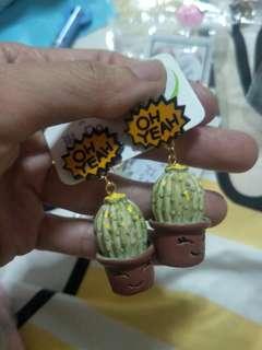🚚 Oh yeah cute cactus earring