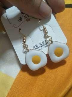 🚚 Cute egg sunny side up hook earring