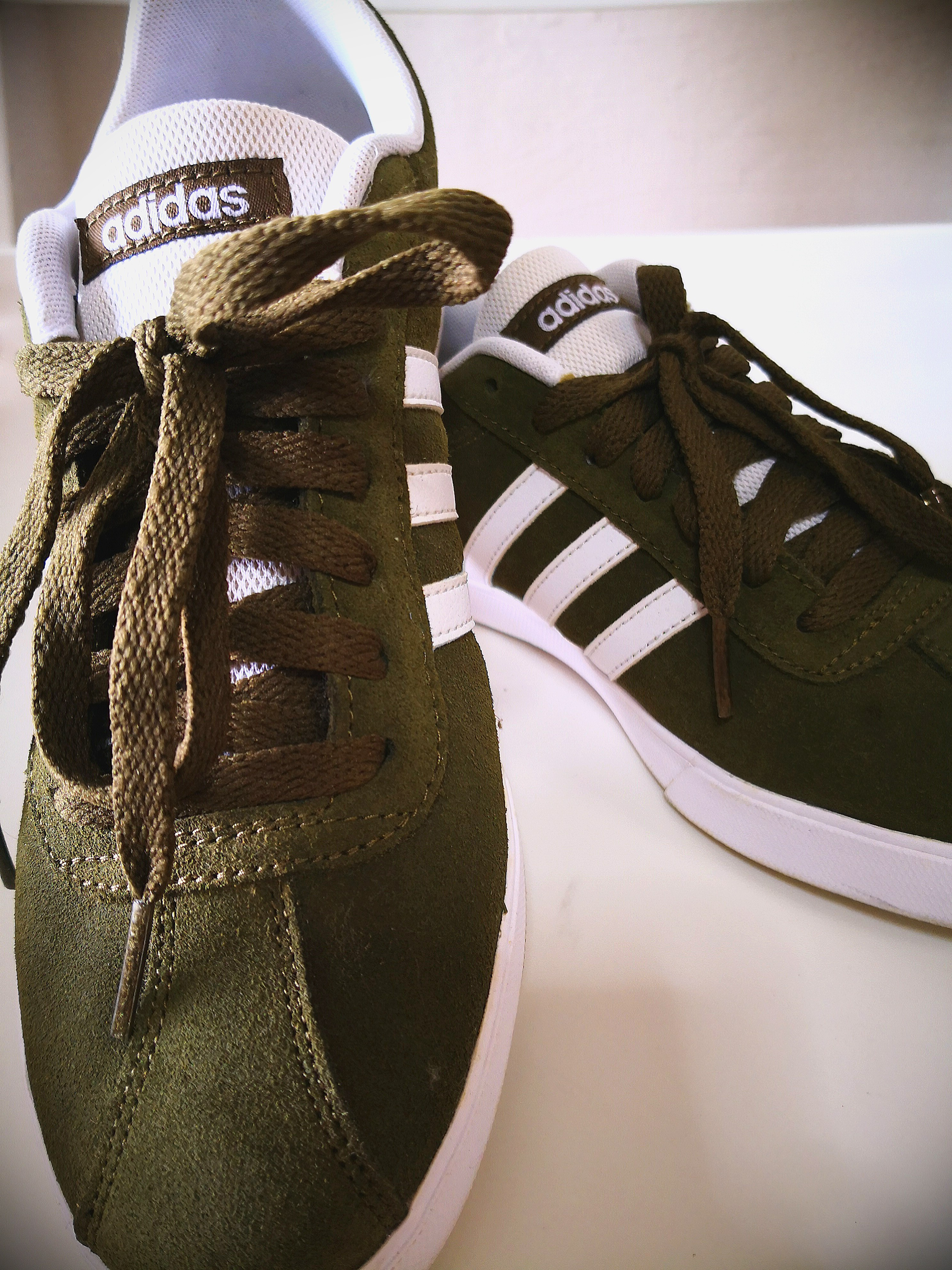 466c01b87cb11 Adidas Sneakers Olive Green