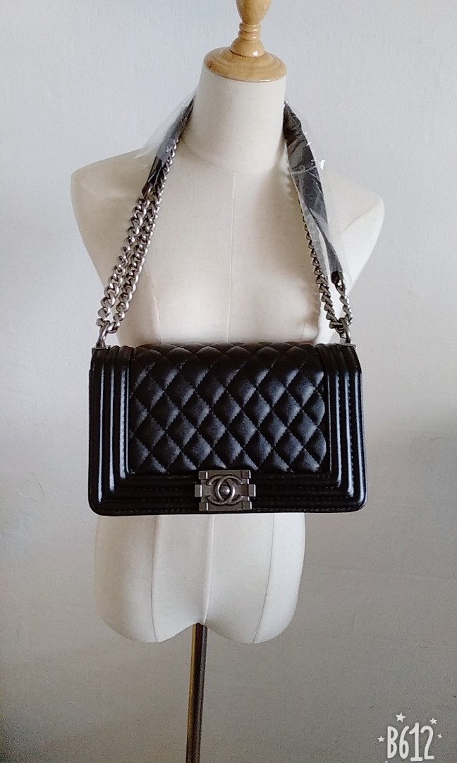 d192dccb1680 Chanel Bag, Women's Fashion, Bags & Wallets, Sling Bags on Carousell