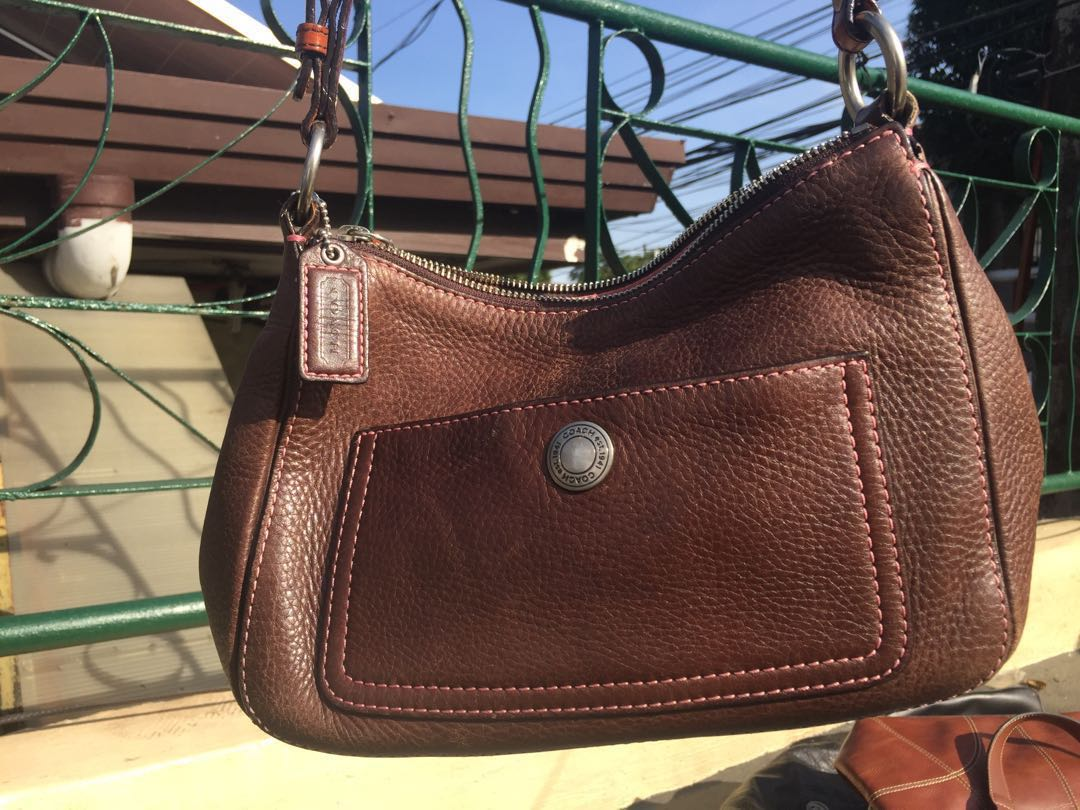 515f938e313b5 COACH BROWN LEATHER HAND BAG