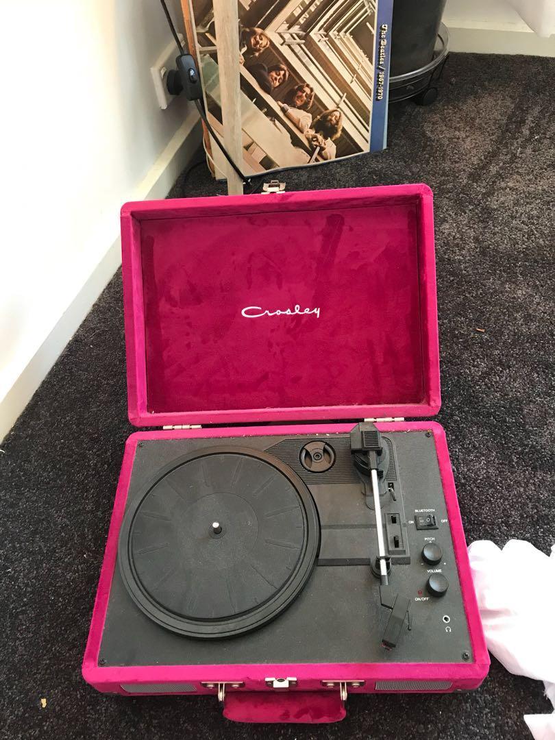 Crosley UO exclusive velvet cruiser Bluetooth record player