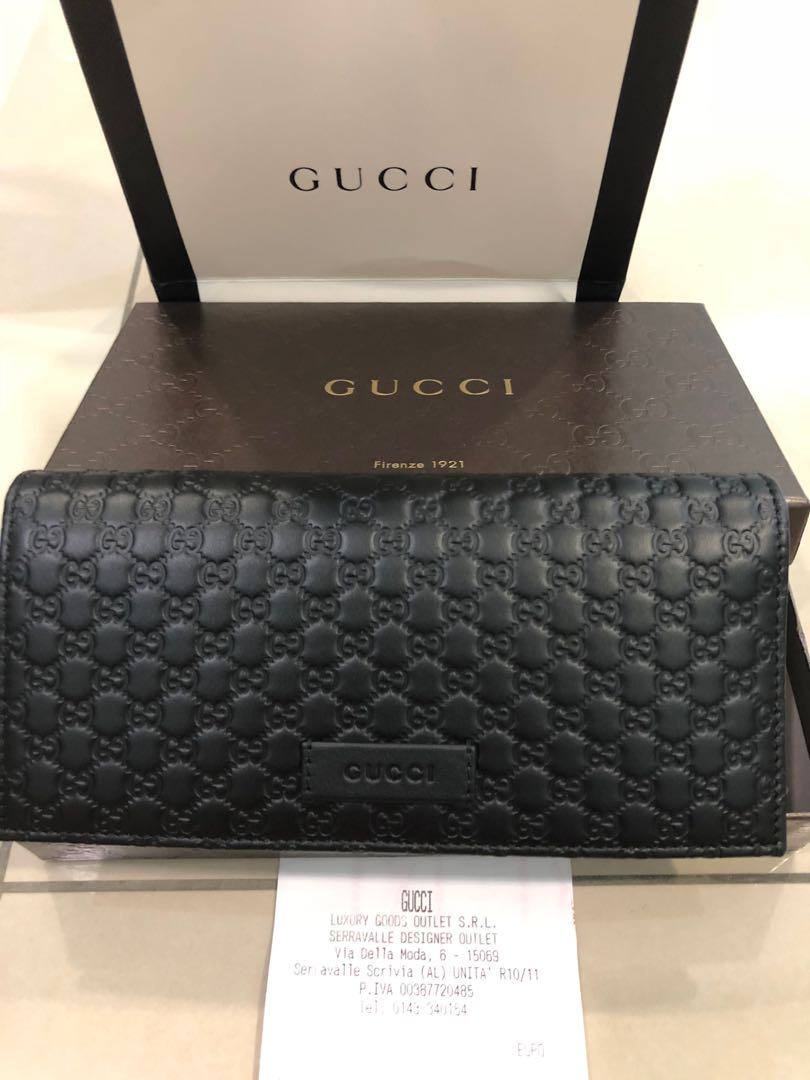 6d88f2cb6670e9 Gucci wallet 100% authentic, Women's Fashion, Bags & Wallets, Wallets on  Carousell