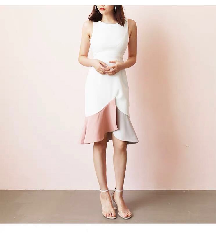 0b7bf3366bd MDS Cutout color-block mermaid dress in white and pink