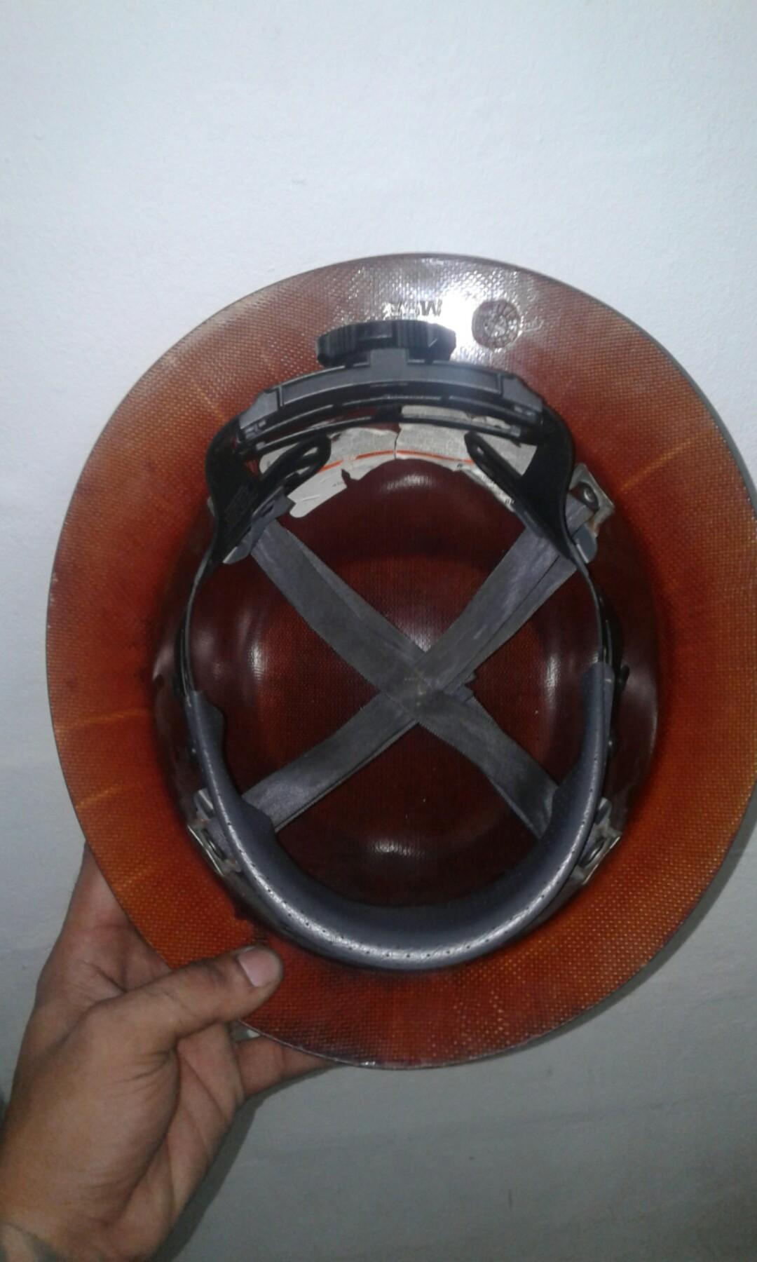 MSA skullgard full brim hard hat/ safety helmet, Men's
