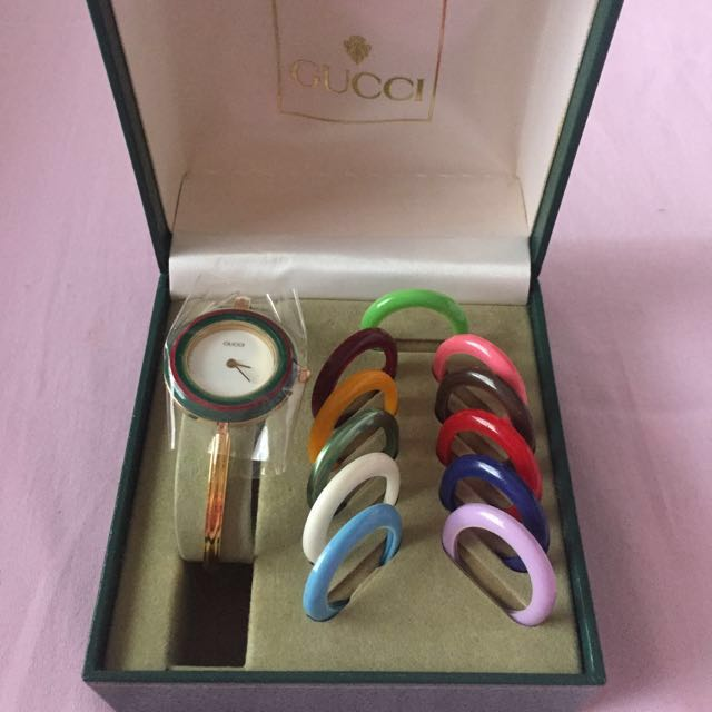 40734dad66d Preloved Authentic Gucci Watch from Japan (no issue)