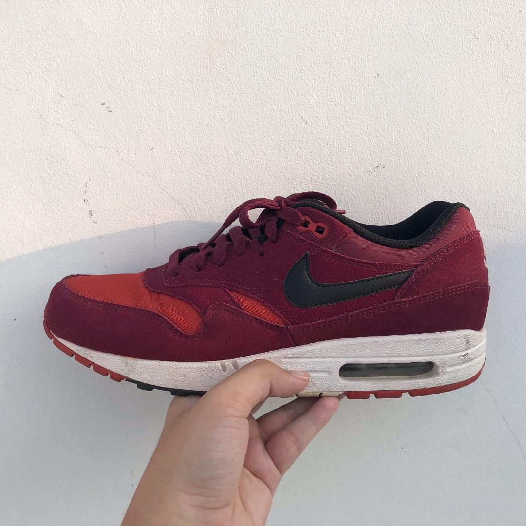 99b55f24b7 Sepatu Nike Air Max 1 Essential Red Original, Men's Fashion, Men's  Footwear, Sneakers on Carousell
