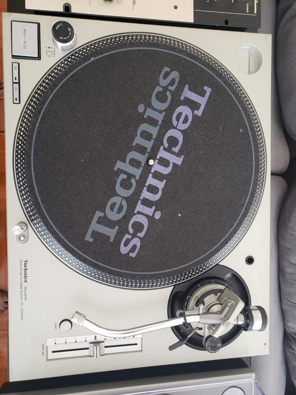 Technics 1200 Mk 5 Matching Pair DJ vinyl players