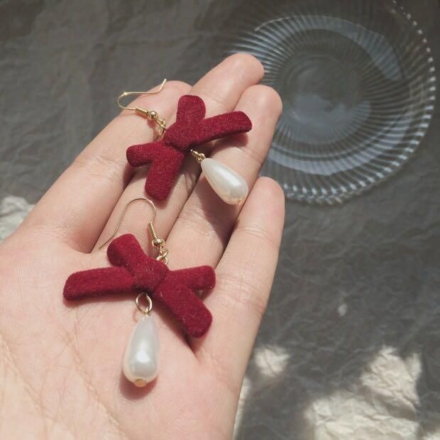Vintage Red Ribbon With Pearl Earring