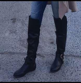 BLACK THIGH HIGH BOOTS(size 7)