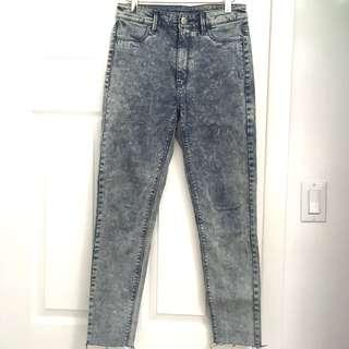AE Acid Wash Highwaisted Jeans