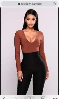 Fashion Nova - Louise V-neck Bodysuit