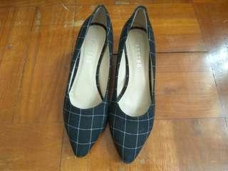 黑色格仔吋半高女裝中踭鞋(41碼)