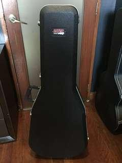GATOR Deluxe Acoustic Guitar Case (Please read description)
