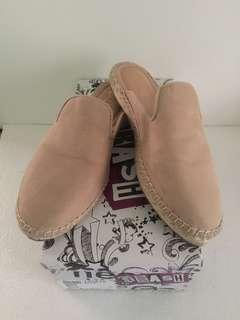Preloved | Nude Slippers by Brash Payless