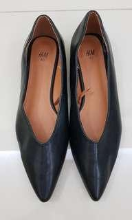 H&M pointed flat shoes