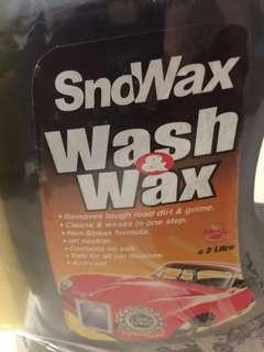 Snowax wash and wax