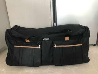 Suitcase duffle with handle and wheels