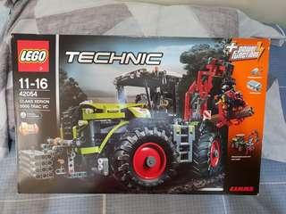 LEGO® Technic CLAAS XERION TRAC VC 42054