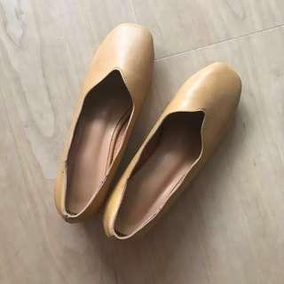 PU Leather Heels Size 5 - Tan Colored
