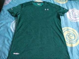 🚚 Under armour men's fitted heat gear size XXL pit to pit 57cm