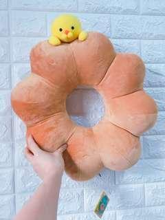 Pon de lion donut 溫泉哥甜甜圈毛公仔