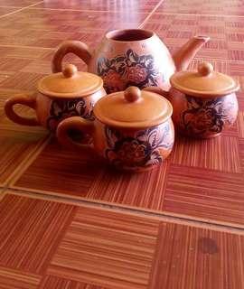 Tea Set antik bahan Tembikar motif eropa