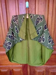 Blazer batik hijau mega mendung