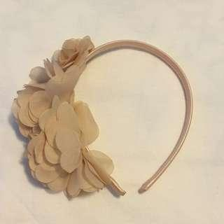 Forever 21 淡粉紅色花瓣頭箍 pink flower petals hairband