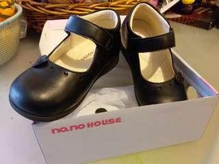 no.no. house 黑色返學皮鞋
