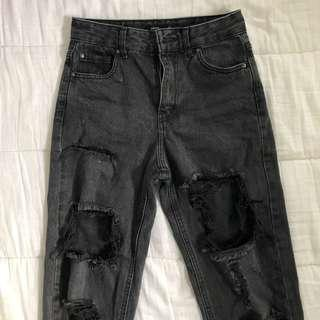 Black washed boyfriend jeans