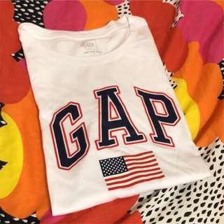 🚚 Gap上衣 白色 國旗