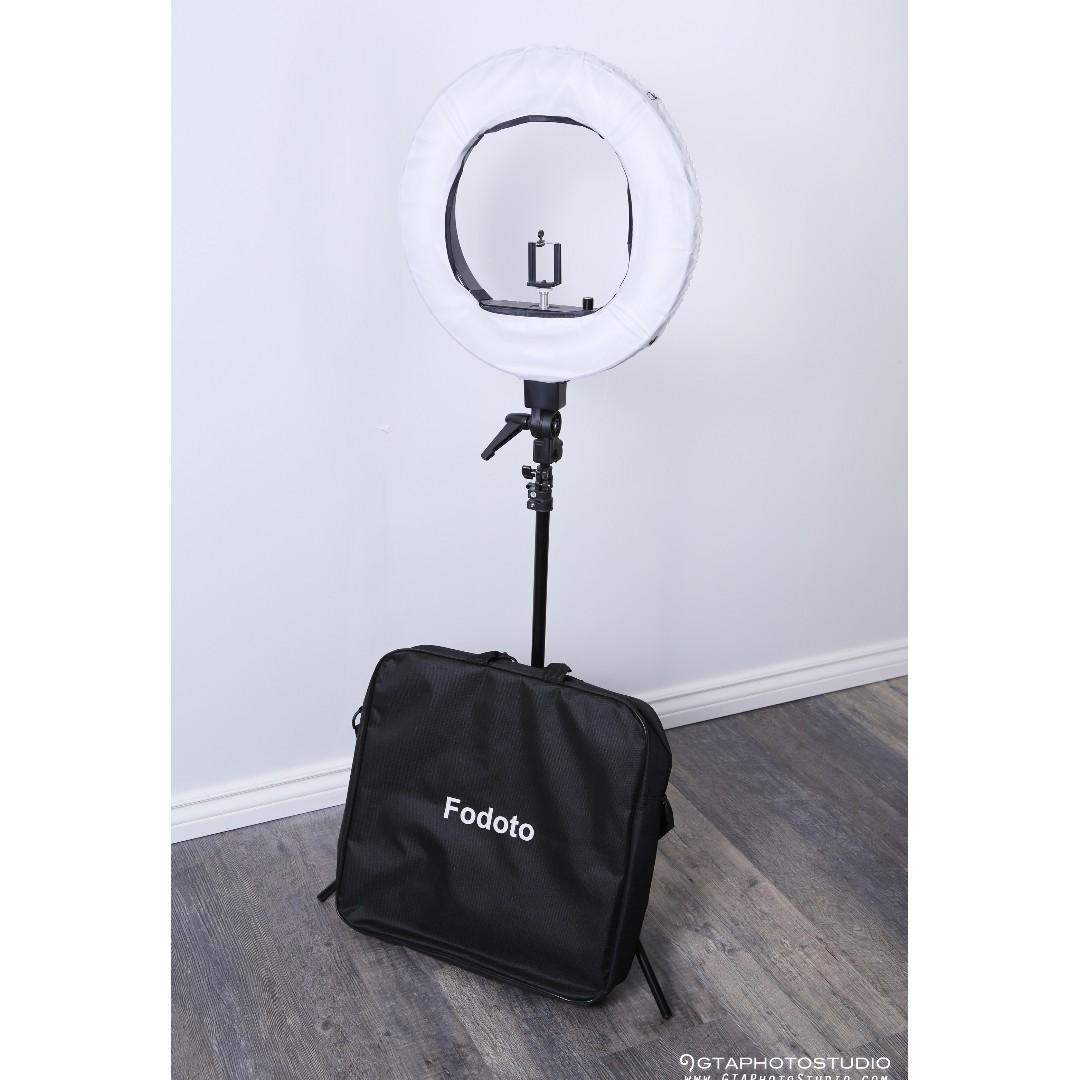18 inch Dimmable Diva Ring Light by Fodoto / FREE SHIPPING AVAIL / GTAPhotoStudio . com