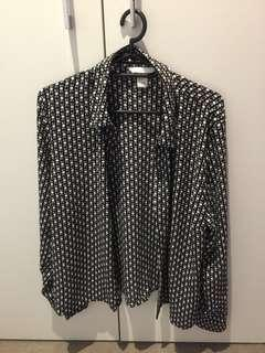 Patterned long sleeves button up shirt