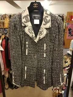 Chanel size 40 tweed jacket