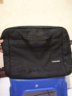 Tas Laptop Toshiba ukuran besar