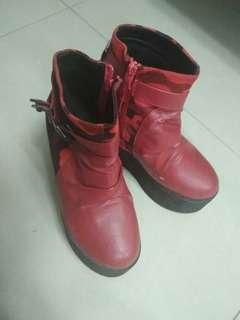 🔥 Red Boots 🔥