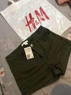 H&M Hotpants Old Green