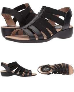 Lifestride / Naturalizer Black strappy Sandals