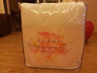 King size Akemi white quilt