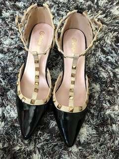 Valentino looks a like,import belum pernah aku pake ya sis beli karena laper mata ajja 🤪, black heels,kitten heels,no box