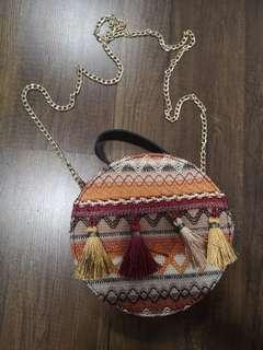 Round tassle rattan shape Sling Bag with chain strap