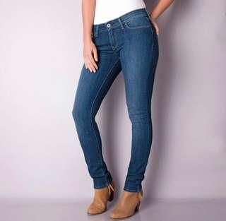 *NEW* LEVIS mid rise skinny demi curve size 26