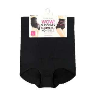 Slimming pants / korset celana original brand pierre cardin shapewear black rara, belum pernah dipakai hanya buka kemasan.Ampuh bikin perut rata.Ada harga ada kualitas dijamin bahannya bagus gak cepet melar/brudul & nyaman dipakai.Aku jual murah