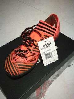UK 3 boy's adidas nemeziz 17.3 FG turf Futsal soccer boots
